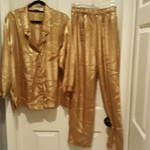 Two-piece pajama set gold size small PJ's